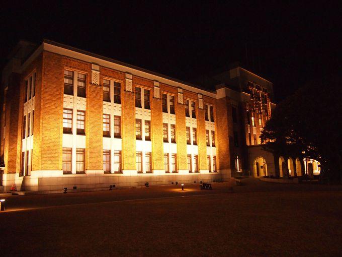 ライトアップ&お城側の姿