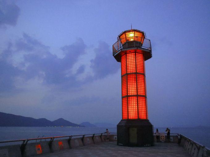 赤く光る灯台の愛称は「せとしるべ」