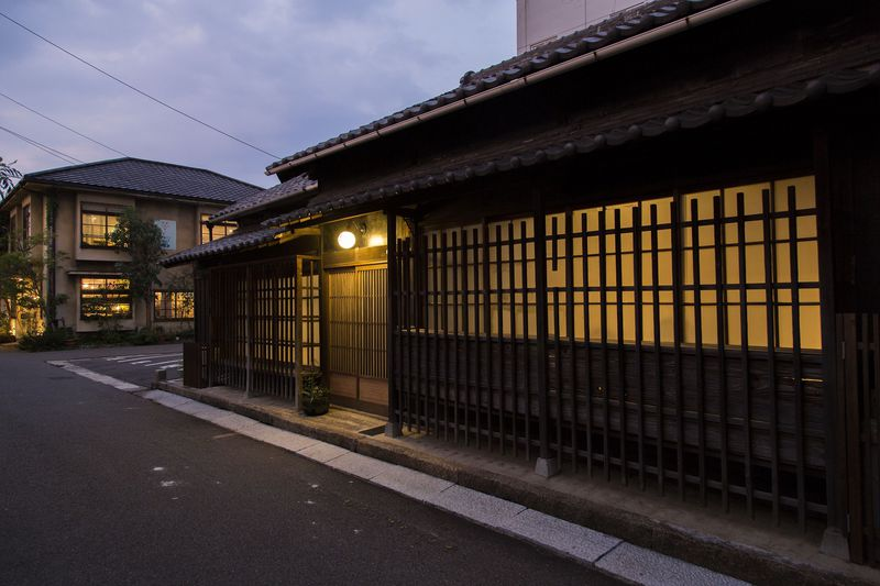 高松港で素敵すぎる古民家に泊まる「瀬戸内ステイ北浜住吉」