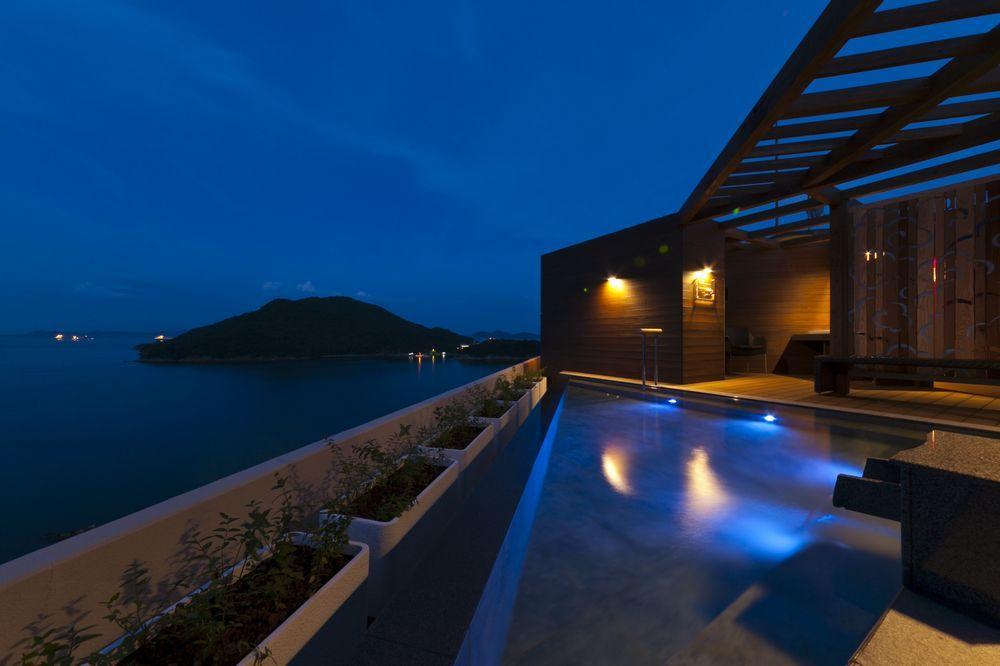 ためいきが出るほどの絶景! 屋上展望露天風呂