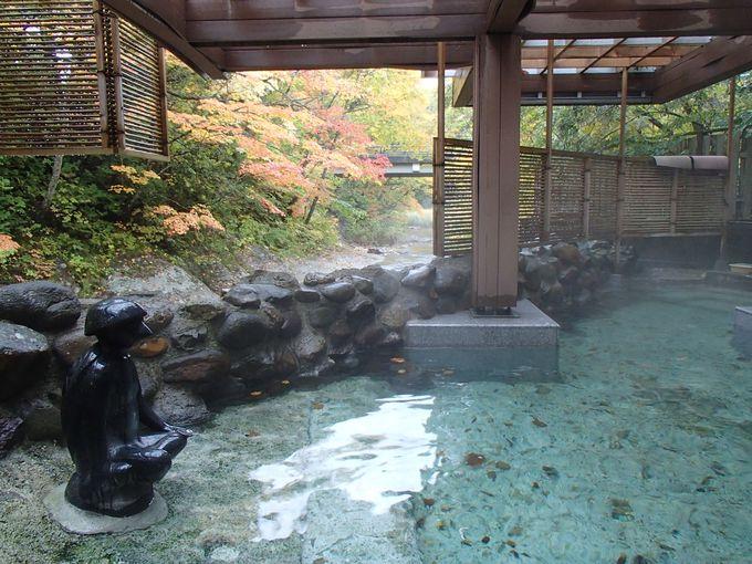 渓流の畔で湯浴みできる露天風呂「元祖かっぱの湯」