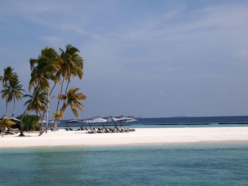 もう他の海では泳げない…憧れのモルディブ1島1リゾート