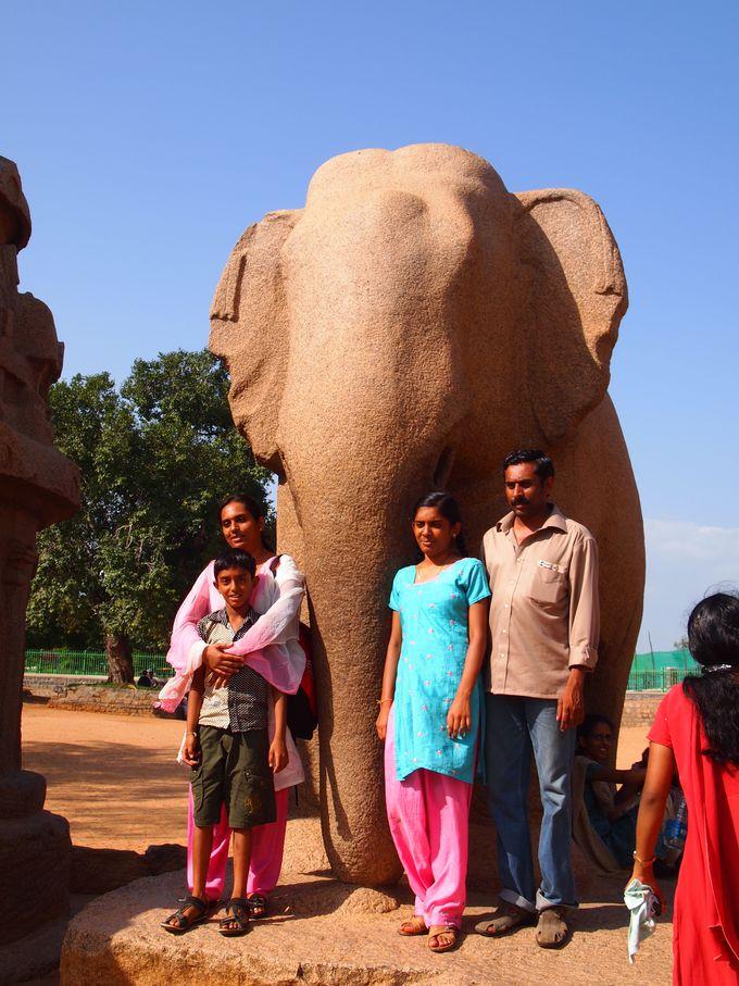 一番人気は象の彫刻