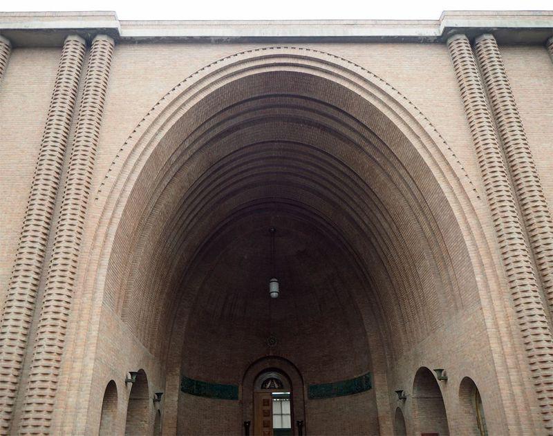 イラン考古学博物館でペルシアの美の真髄に触れよう!