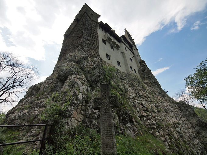 ヨーロッパ有数のドラキュラ伝説に彩られた城:ブラン城