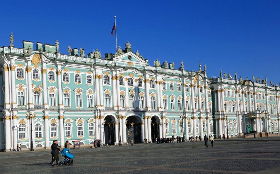サンクトペテルブルクの定番観光スポット8選 世界遺産がいっぱい!