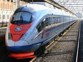 ロシア夢の超特急サプサン号で、ペテルブルグとモスクワ間を駆け抜けよう!