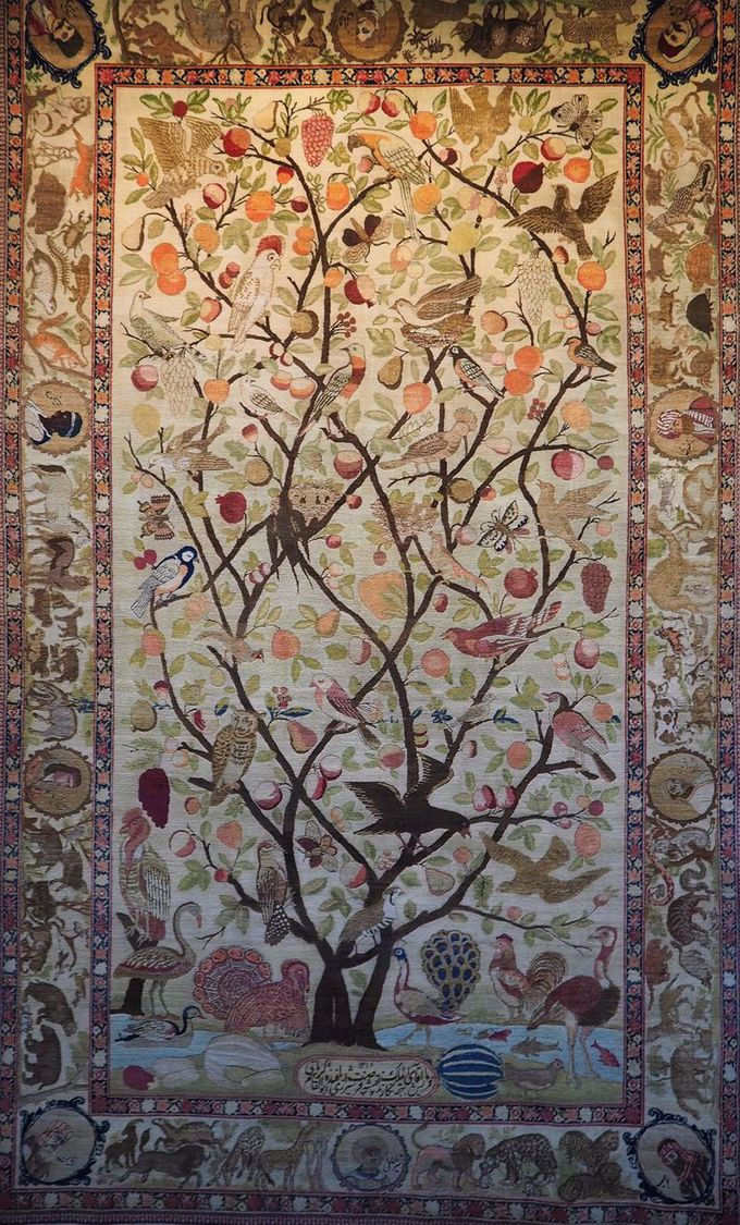 ケルマン産の絨毯