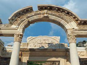 トルコ「世界遺産エフェス」女神信仰の歴史と知的冒険を楽しもう!