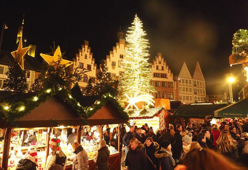 ドイツの冬は華やかなクリスマスマーケット巡りを楽しもう!