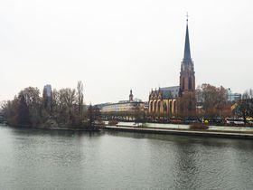 ドイツ・フランクフルトの教会めぐりを楽しもう!