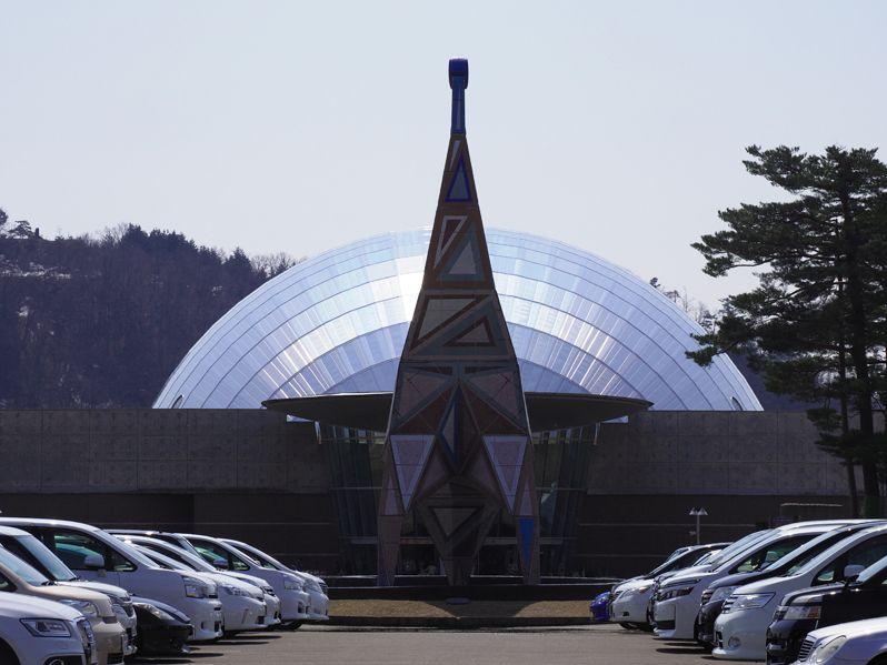 福井県立恐竜博物館に入場する