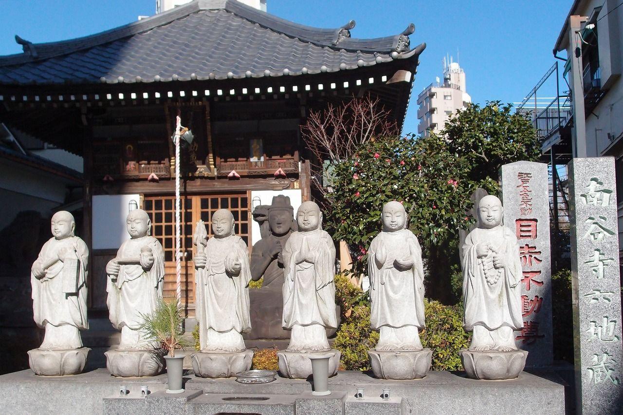 目赤不動(南谷寺)−ビルの脇にひっそりたたずむ小さなお寺