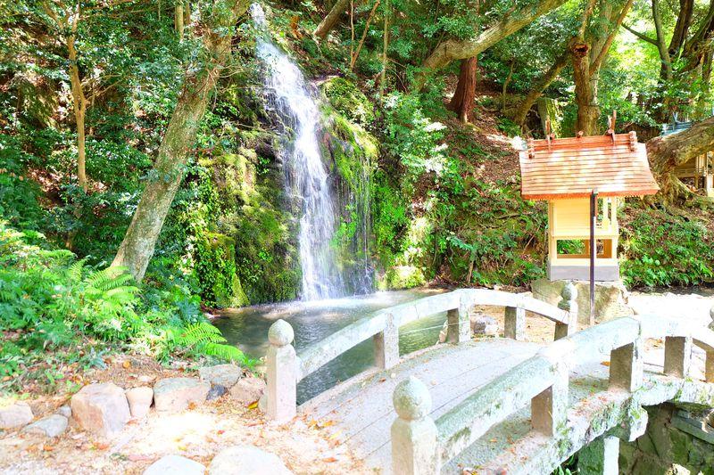 出雲大社のもう1つの見所!北島国造館の滝と命主社は静寂な穴場スポット