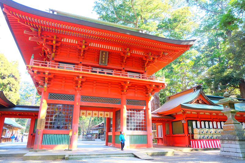 要石が眠る「鹿島神宮」は静寂な癒しの森が広がる関東最古の神社
