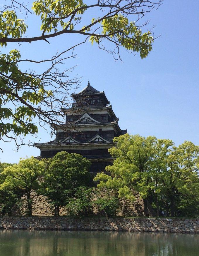 お堀に囲まれた毛利輝元築城の広島城
