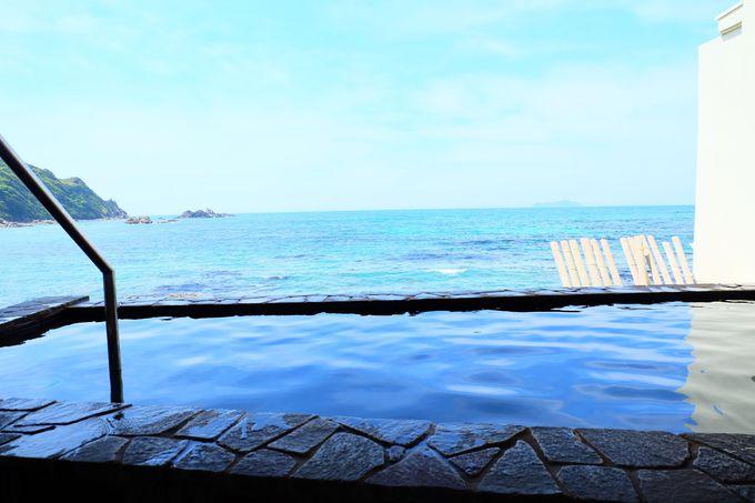 海と一体感を感じられる露天風呂