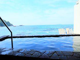 目の前はすぐ海!島根「荒磯館」露天風呂からの真っ青な海と夕陽が美しい|島根県|トラベルjp<たびねす>