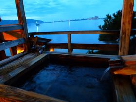 湖畔に佇む鳥取「養生館」の広大な敷地で楽しむ湯めぐり|鳥取県|トラベルjp<たびねす>