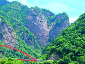 ハート岩は遠くからでも一目瞭然!福岡・八女の絶景ビュースポットで恋愛祈願|福岡県|トラベルjp<たびねす>
