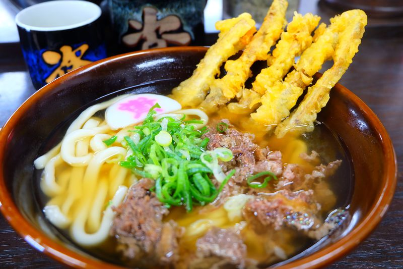 福岡のうどんといえば「ごぼ天」!地元チェーン3店舗で食べ比べ!