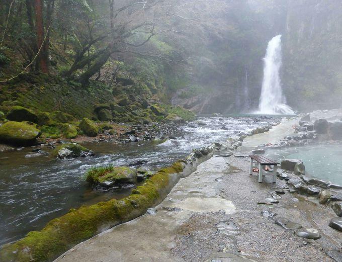 『テルマエ・ロマエ』ルシウスが傷を癒す為に入浴。滝見の露天風呂「河原の湯」