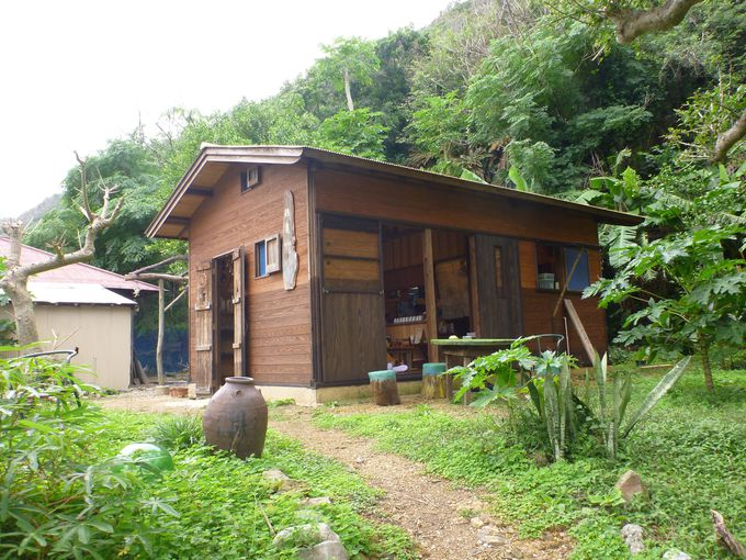 加計呂麻島にある「鶴亀 畑cafe」