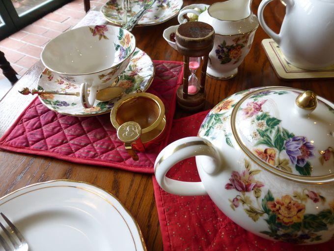 紅茶に対する愛情を感じるティーセット