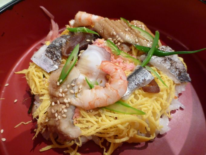 郷土料理「松山鮓(もぶり飯)」