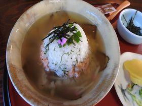 勝ち山ぼっかけに焼き鯖寿司、米どころ福井で食す「ご飯モノグルメ」4選