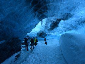 ヨーロッパ・西の果て!アイスランド「氷の洞窟」へ