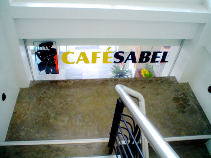 カフェ「Cafe Sabel」でオーガニック野菜のヘルシーランチ