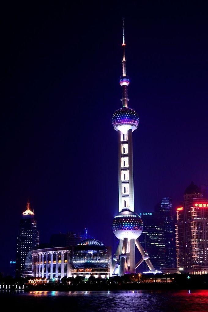 東方明珠電視塔のライトアップは、豊富なバリエーション!