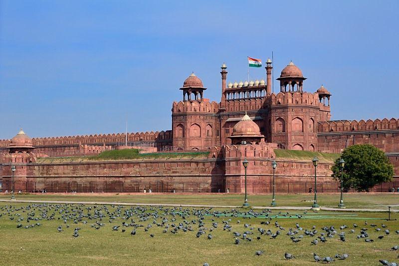 灼熱のインドにふさわしい、「赤い砦」