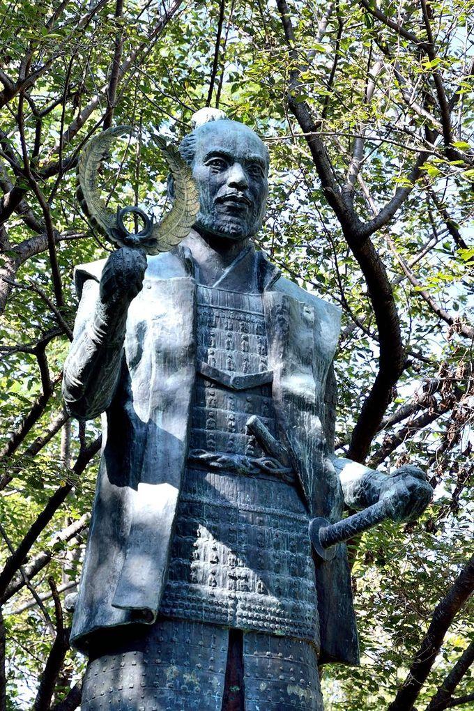 徳川家康が若き日を過ごした「浜松城」には若々しくスマートな家康が!