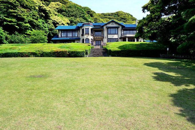 「鎌倉文学館」の広大な庭園