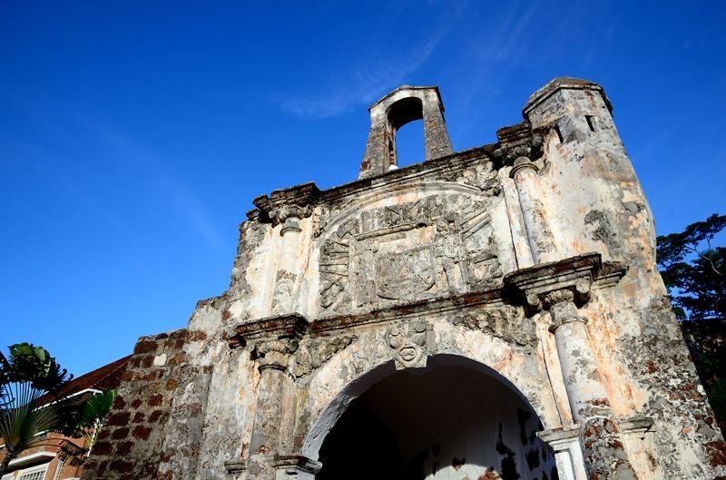 世界遺産マラッカ(マレーシア)のサンチャゴ砦で、大航海時代に想いを馳せる!