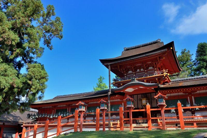 奈良が誇る世界遺産「春日大社」で王朝の雅を感じる旅