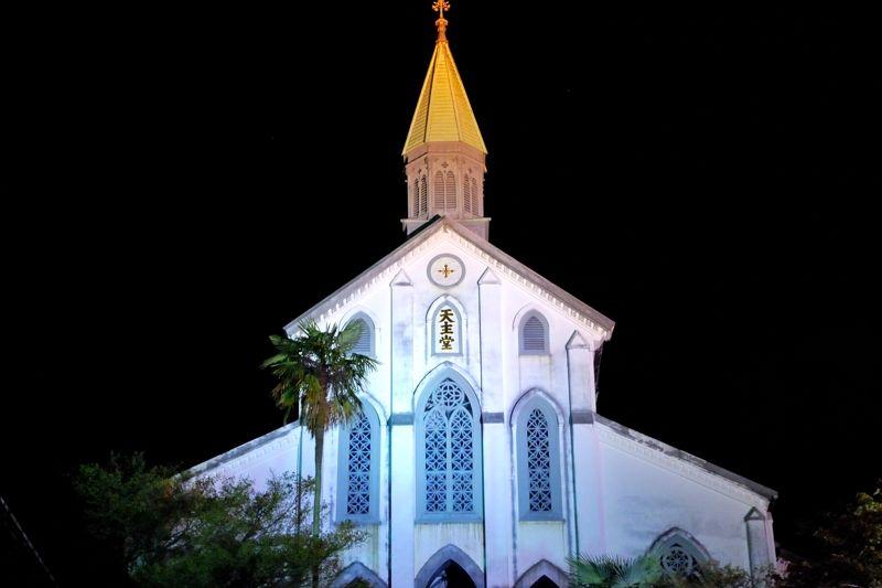 「大浦天主堂」はライトアップも美しい日本最古の木造教会