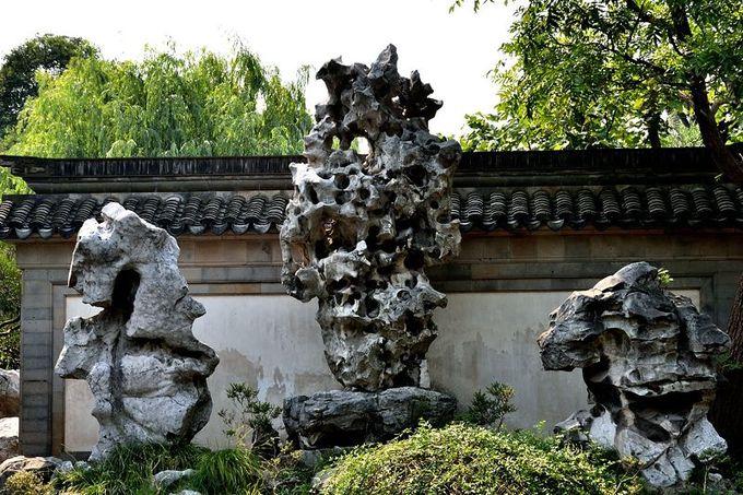 江南三大銘石の一つ「玉玲瓏」