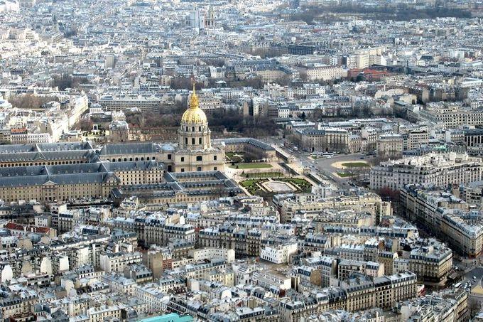 展望台から眺める花の都パリの街並み