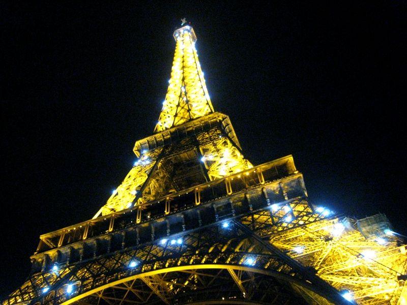 世界一美しい鉄塔!パリの世界遺産「エッフェル塔」は、花の都のランドマークタワー!