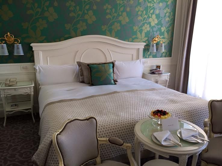 ロマンチックな客室で寛ぐひと時