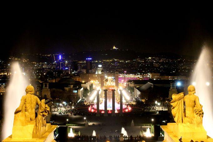 高台のカタルーニャ美術館から夜景を臨む!