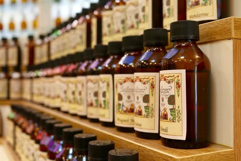 世界でひとつの香水作り体験!南仏グラースとガリマール工房