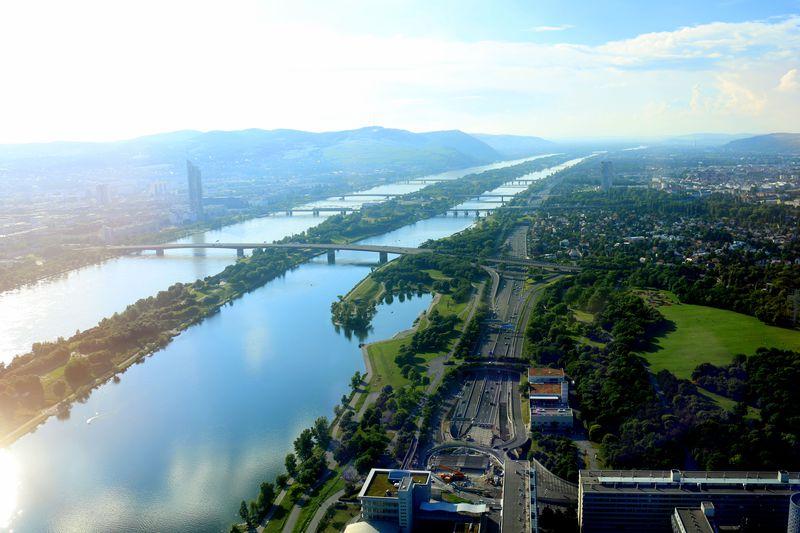 圧巻のドナウ川ビュー!ウィーン最高層ビルホテル「メリア ヴィエナ」