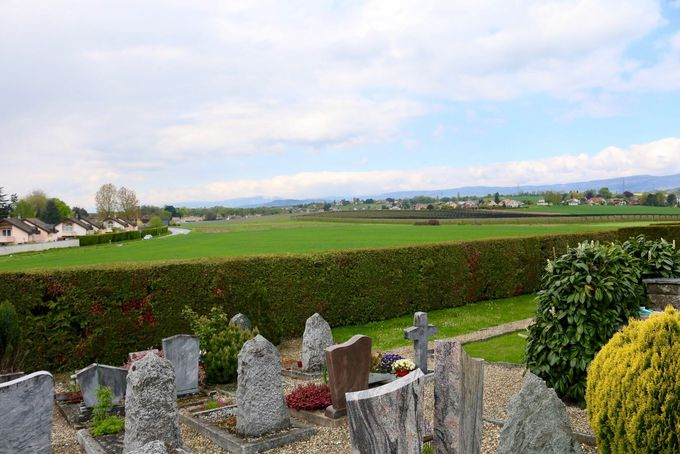 少し足を延ばして、オードリー・ヘップバーンのお墓参りへ
