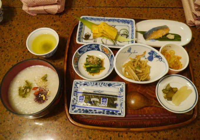 家庭菜園に旬の食材!山楽荘こだわりの食事がすごい