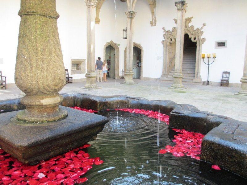 世界遺産に泊まる!スペインの5星パラドール「サンティアゴ - ホスタル ドス レイス カトリコス」