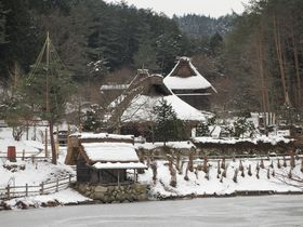 冬こそ行こう!高山「飛騨の里」で、合掌造りの集落を体験